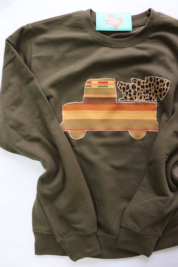 Mojave Truck & Tree Olive Pullover