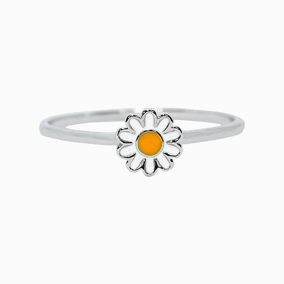 Everyone loves fresh flowers, but this Daisy Ring is sooo much better. Set on a silver-plated band, this low-profile style features an enameled daisy charm that's perfect for stacking (and practically screams spring!).