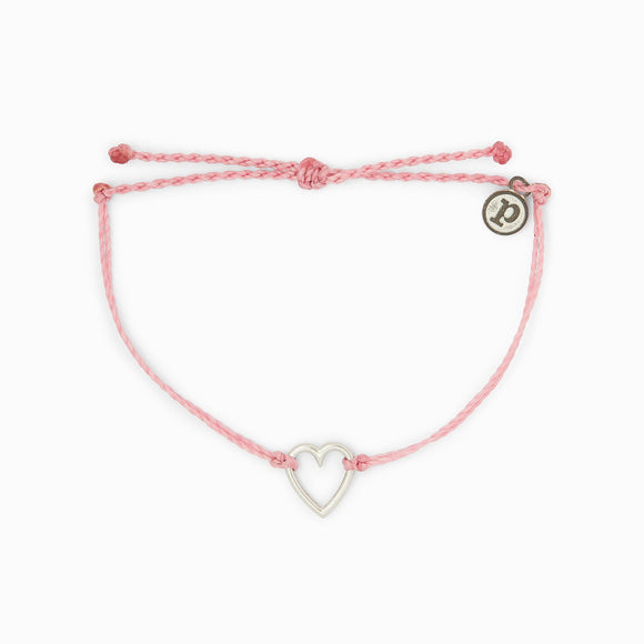 You can't help but fall in love with the Pura Vida Open Heart Charm Bracelet! This awww-dorable design comes with a cutout heart charm that adds some romance to every outfit.