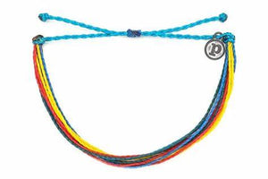 A purchase that goes to a great cause, these PuraVida bracelets provide jobs for the people of Costa Rica. Layer them up, with a variety of colors, pair them with our Pura Vida charm bracelets and wave rings. Perfect gift for a friend, collect them all.