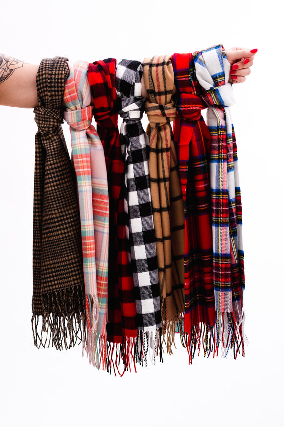 Feliz Fleece Scarves [8 Colors]