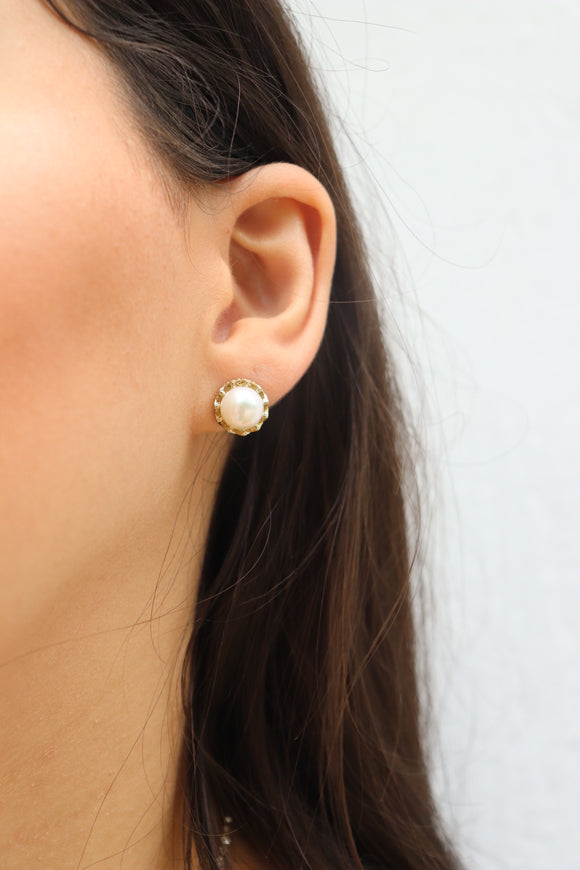 Minnie Pearl Stud Earrings