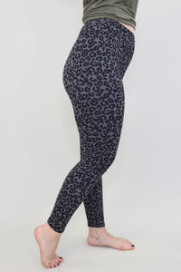 Wild Child Leggings [Grey Leopard]