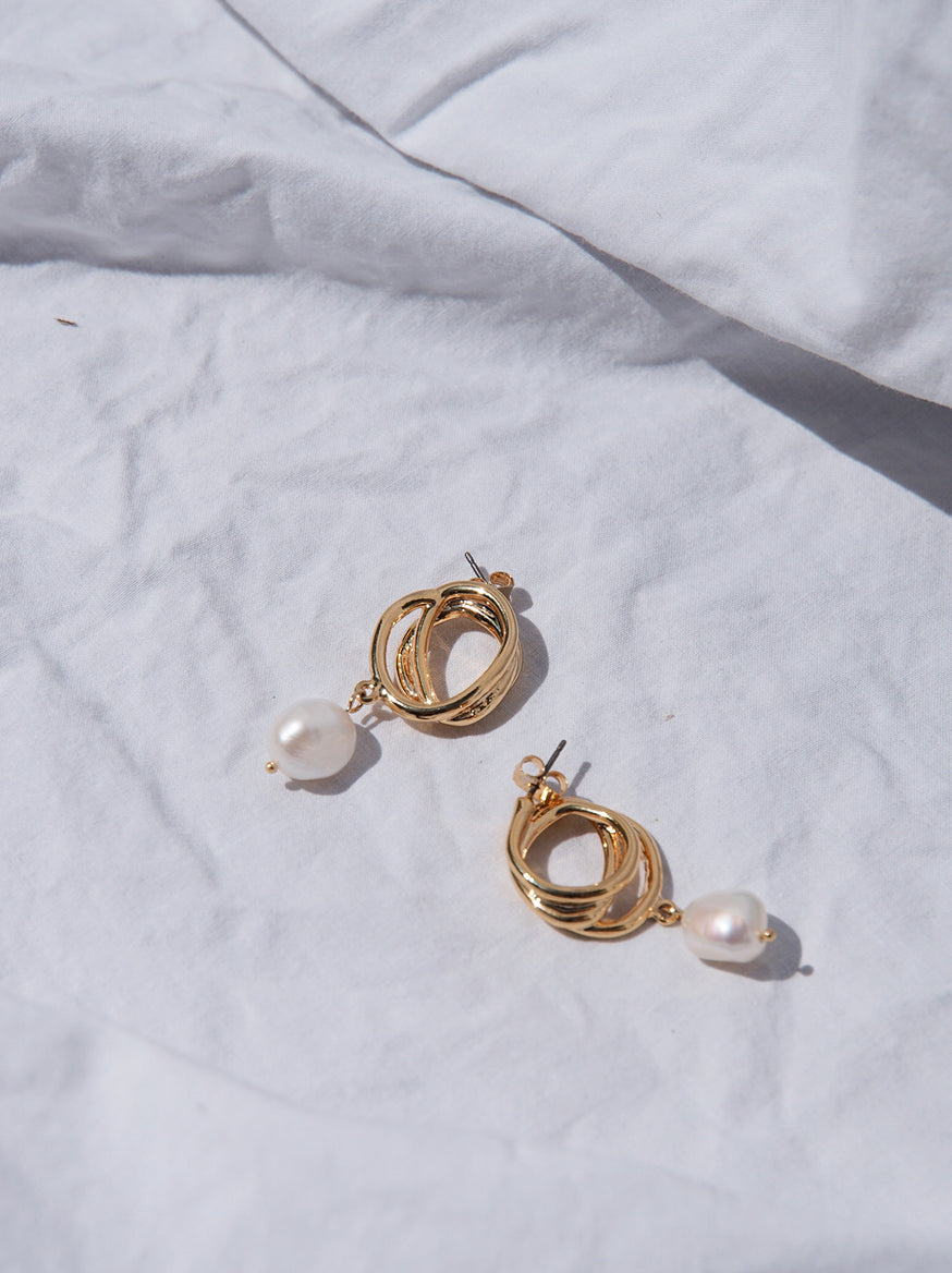 Twisted Pearl Drop Earrings