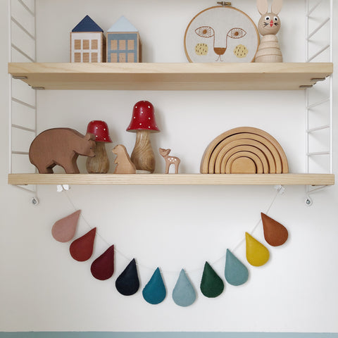 Droplet garland - Muted Spectrum. Delivery within 4 weeks