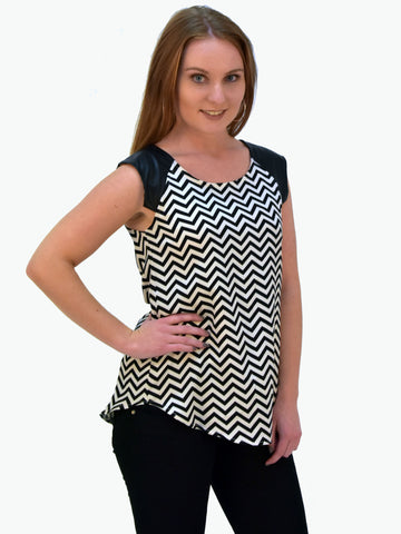 Black and White Zig Zag Stella Morgan Print Top - Capsuleight