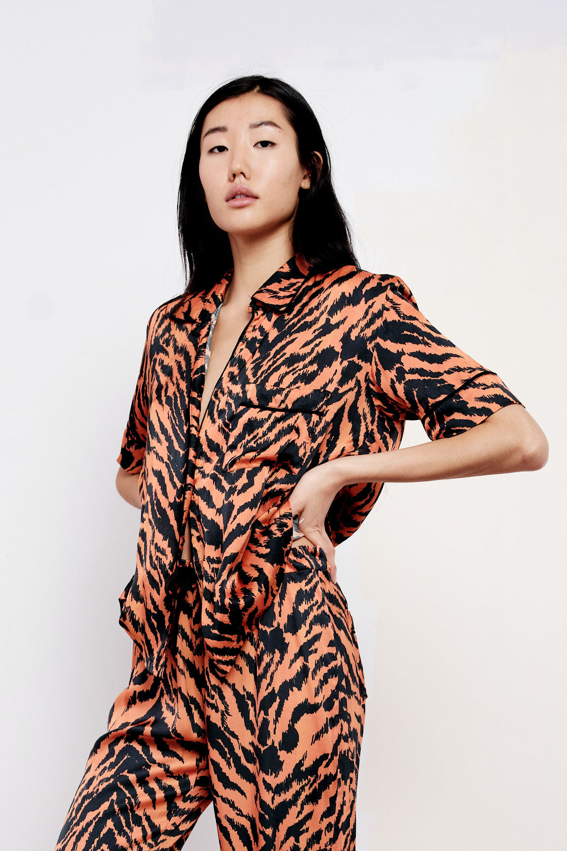 The Lounge Shirt in Tiger