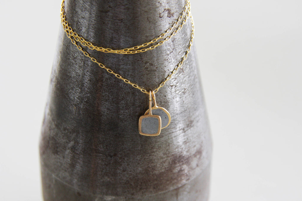 Casual Double gold and concrete pendents - hs