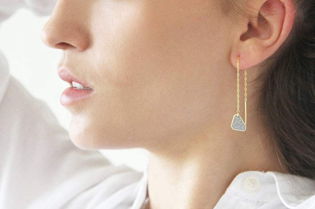 Gold & Concrete Chain Earrings With Dangle Diamond - hs