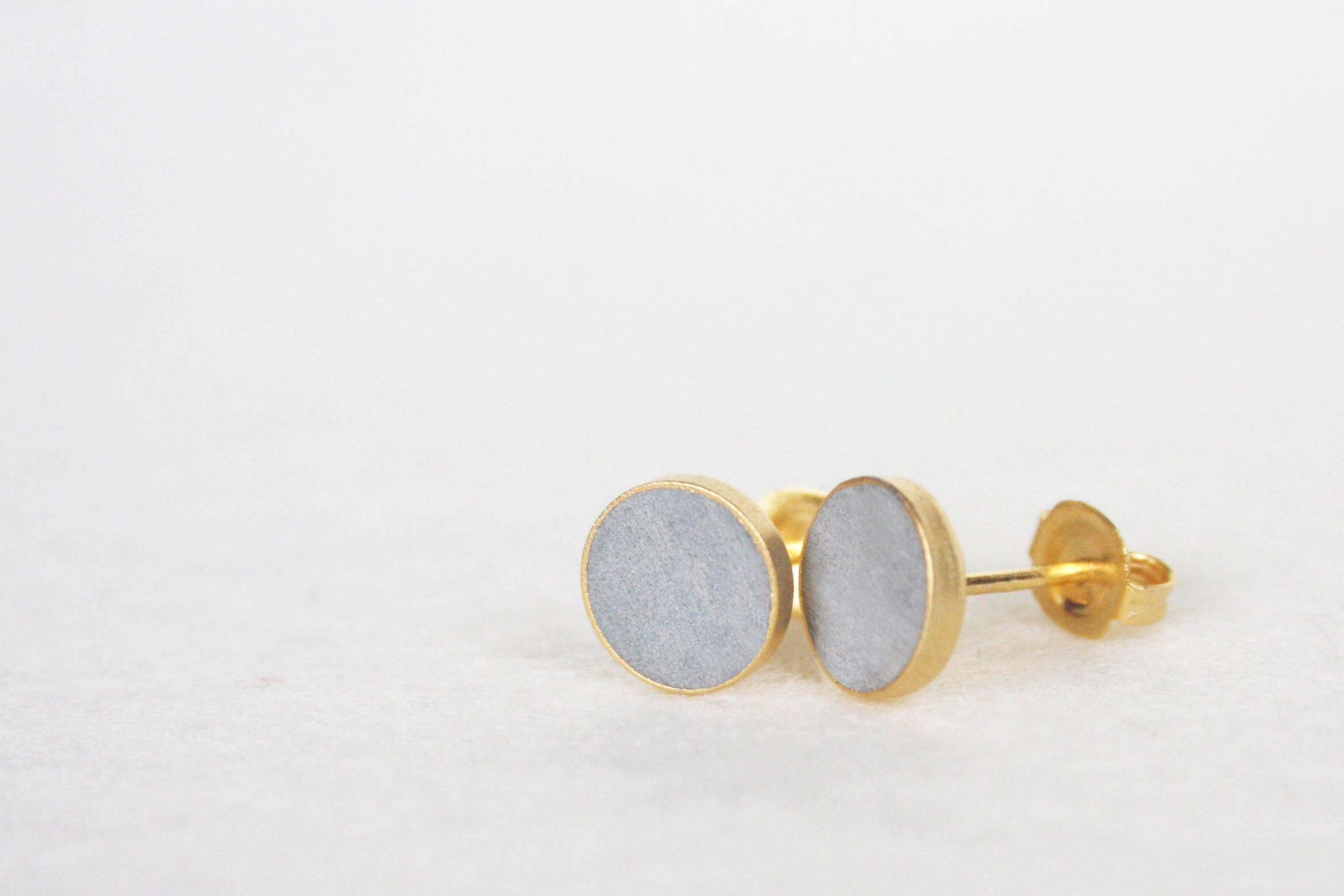 Silver Stack Dot Concrete Earrings - hs