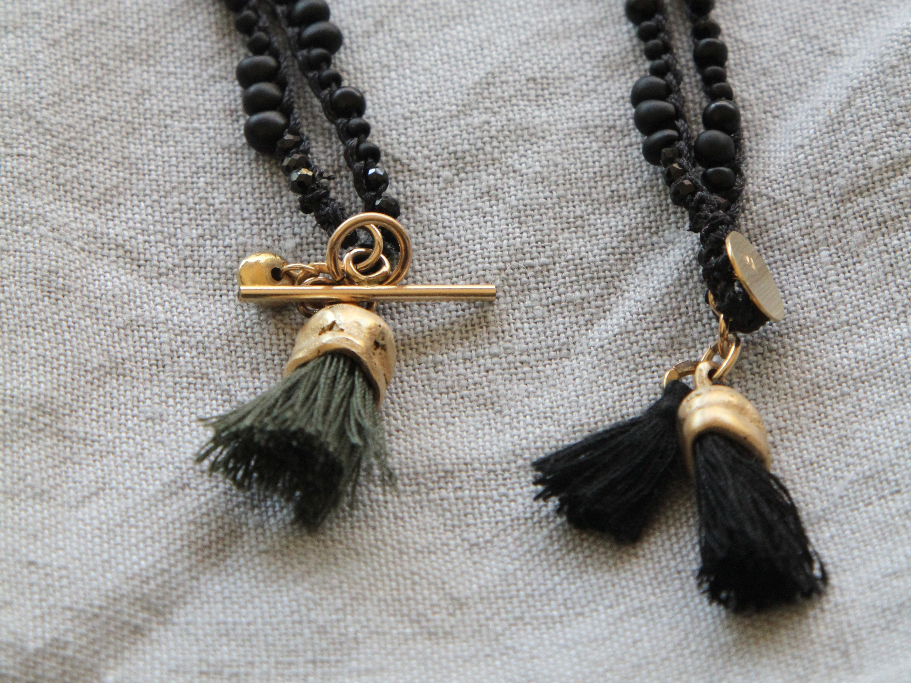 Handmade Unique Black & Gold Organic necklace - hs