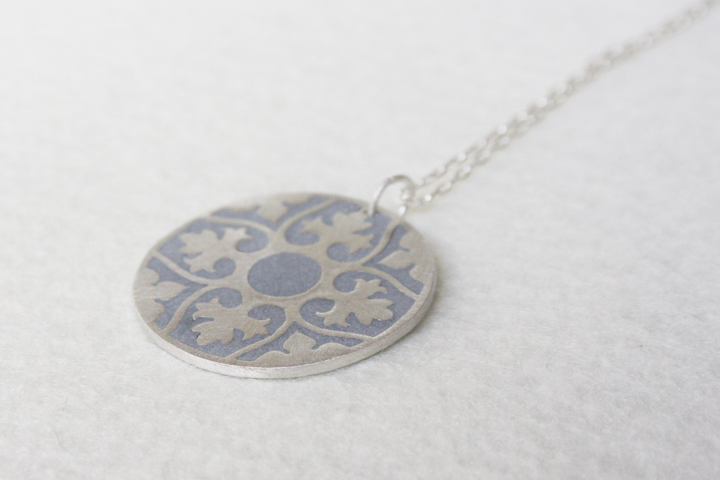 Ethnic Pattern Statement Silver & concrete Pendant - hs