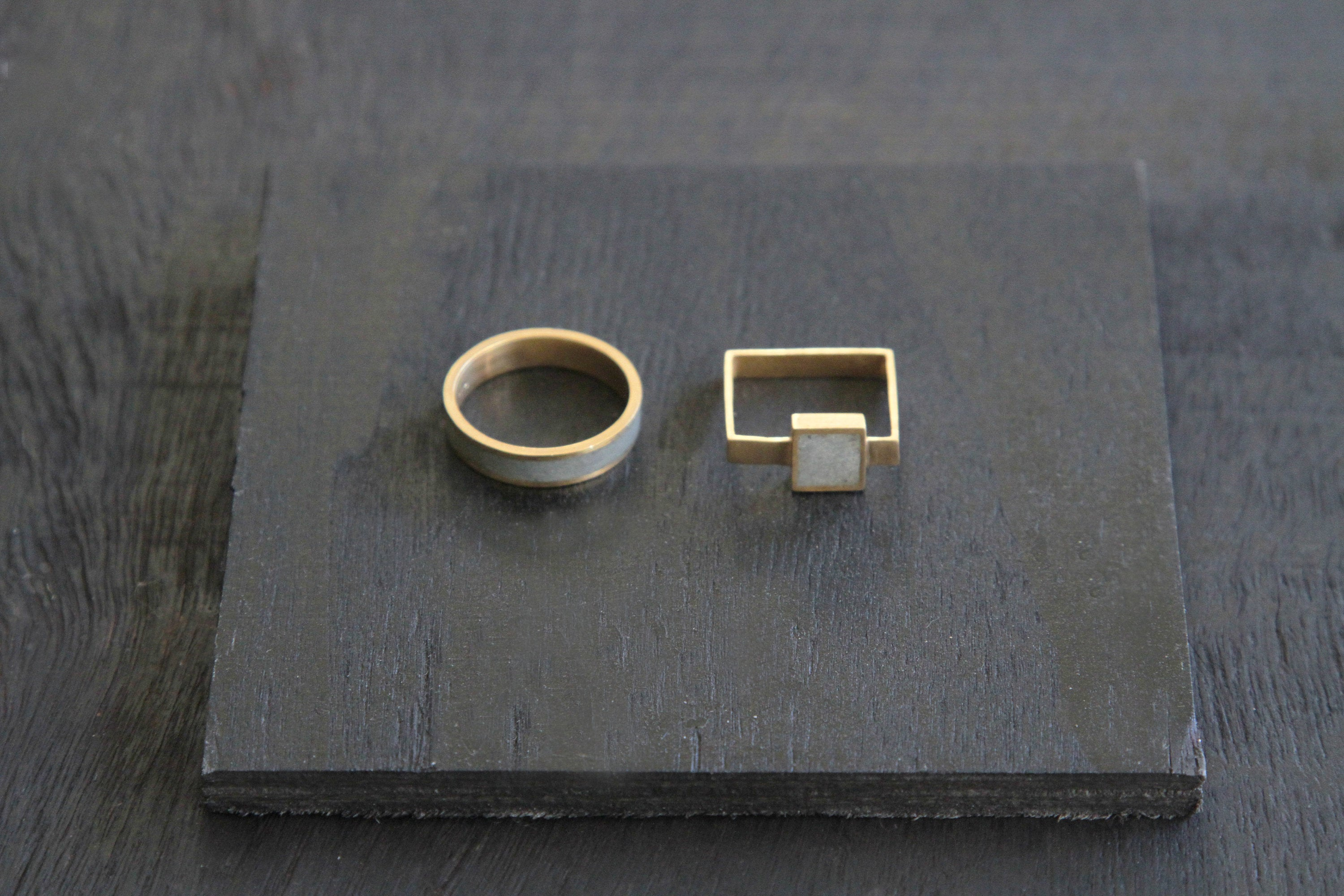 Gold Square Ring, Concrete Gold Ring, minimalist geometric Ring - hs