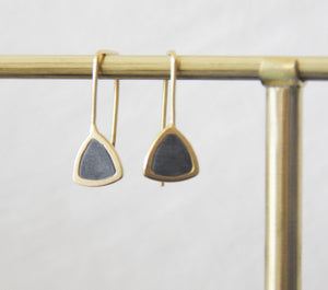 Classic triangular gold & concrete dangle Earrings - hs