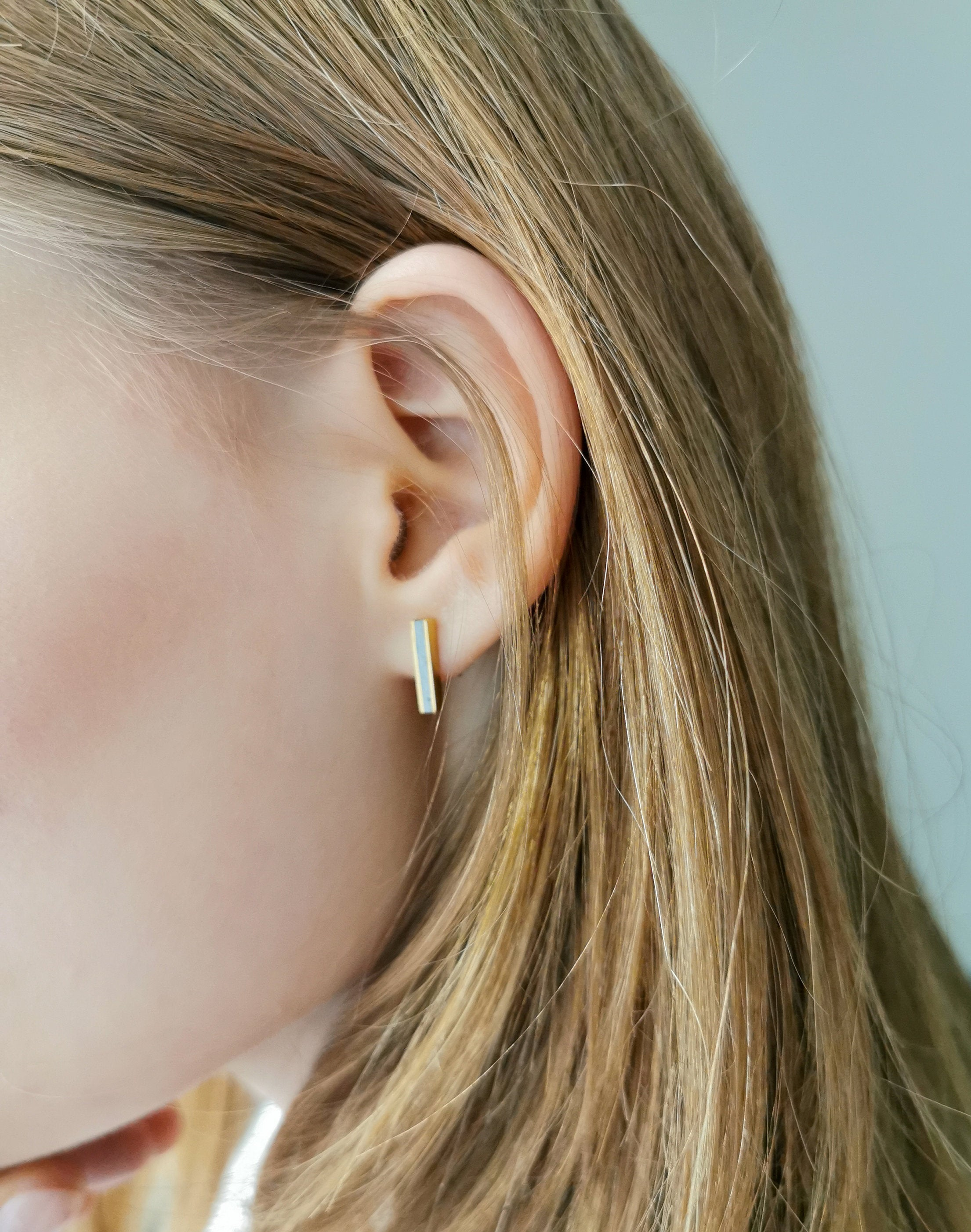Concrete & gold line earrings - hs
