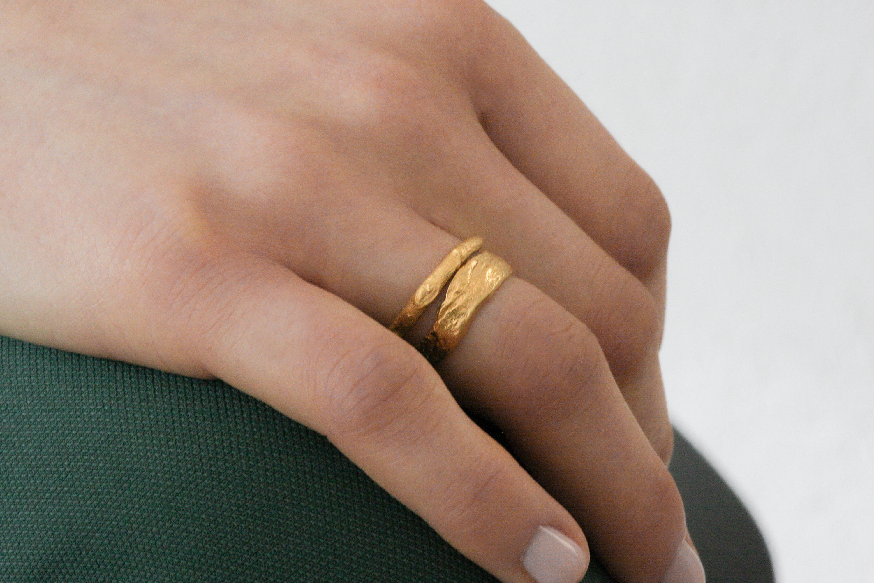 Gold Nature Inspired Ring / Rustic Gold Wedding Band Ring - hs
