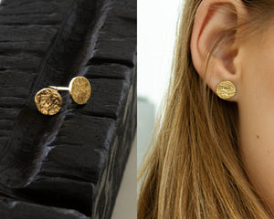 Delicate Round Organic Gold Studs Earrings - hs