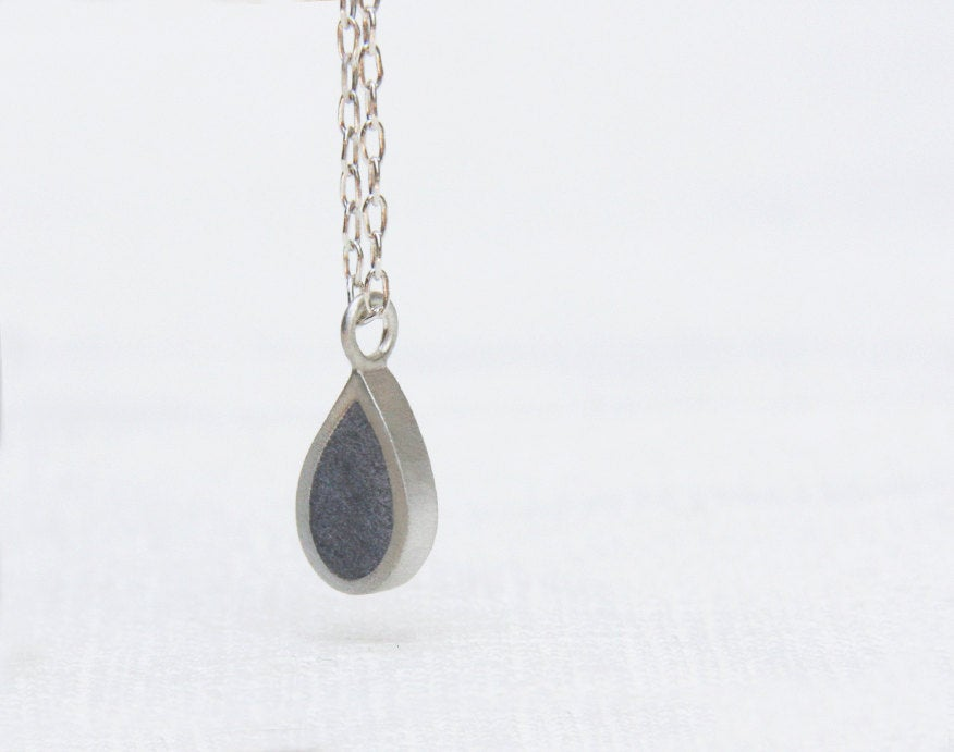 Silver Tear Drop Pendant - hs