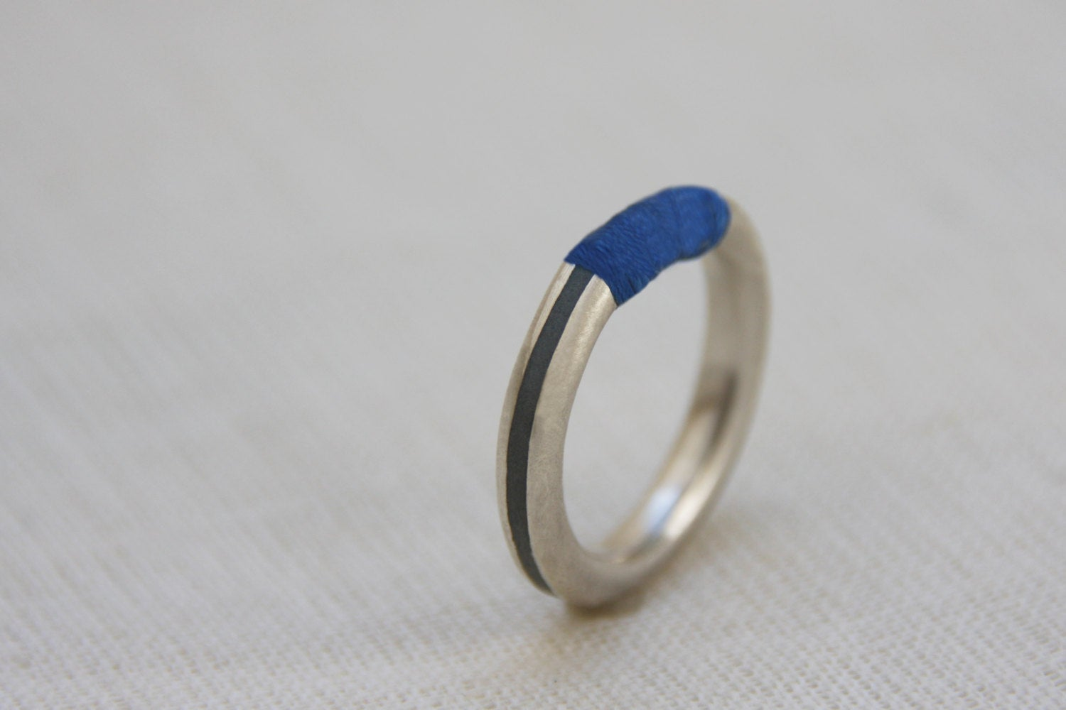 Silver concrete ring, blue threads ring, hadas shaham, Minimalist band, Contemporary ring, modern ring, stacking ring, fashion unique ring - hs