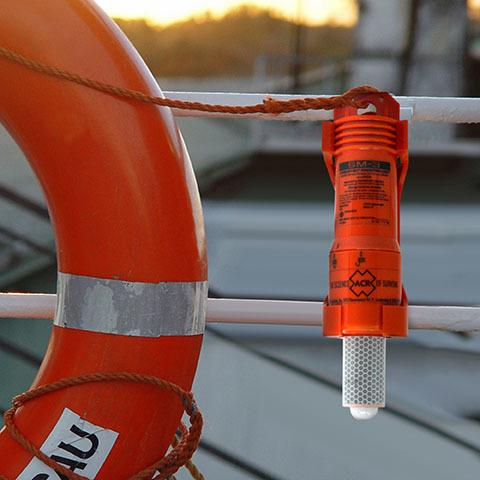ACR SM-3 Automatic Buoy Marker Light - Life Raft and Survival Equipment, Inc.