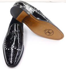 Connaisseur -  Black wingtip patent leather dress shoes with white dots and tassel