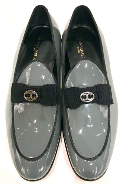 Connaisseur - Grey patent leather dress loafer with logo