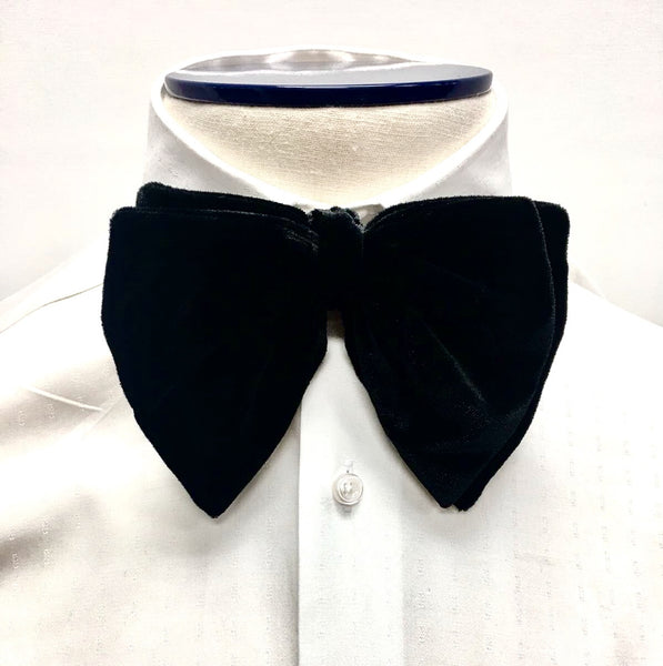 Black Velvet Butterfly Bow Tie