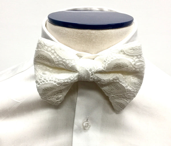 Offwhite Ogee Butterfly Bow Tie