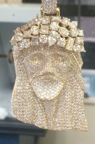 Custom Diamond Jesus Pendant 18 kt Gold with 30 Cts of Diamonds