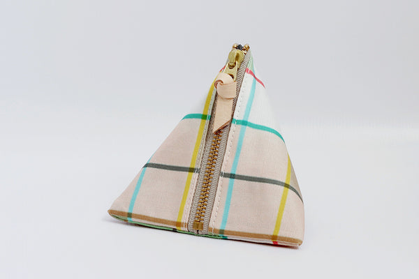 Plaid Triangle Pouch ---