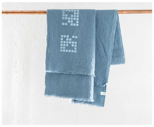Washed Linen Indigo Blanket ---