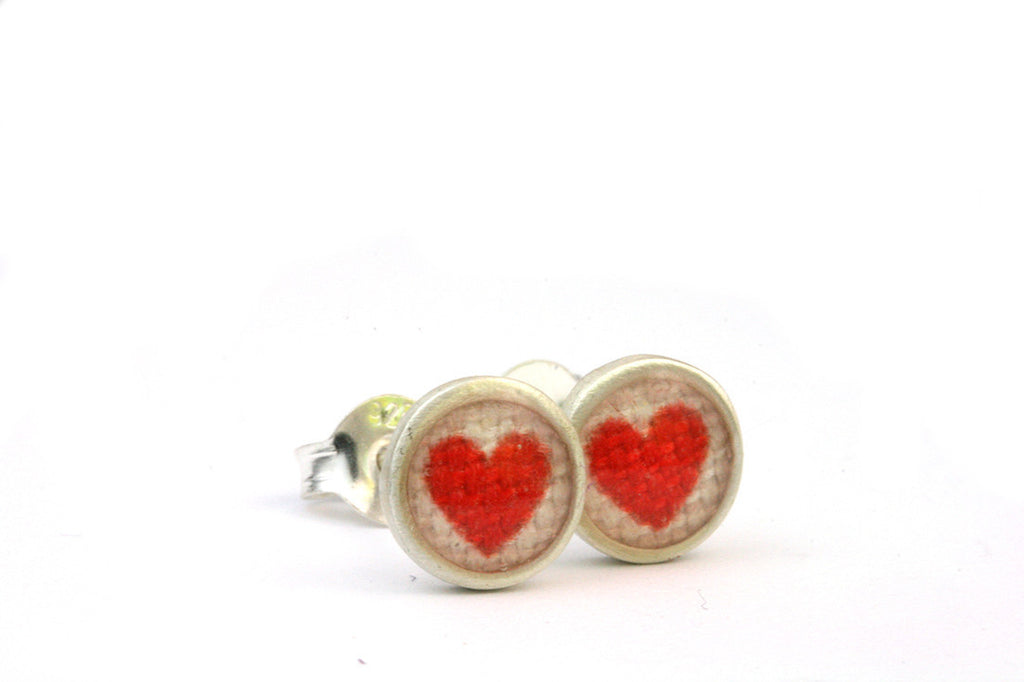 Red Heart Teeny Printed Studs ---