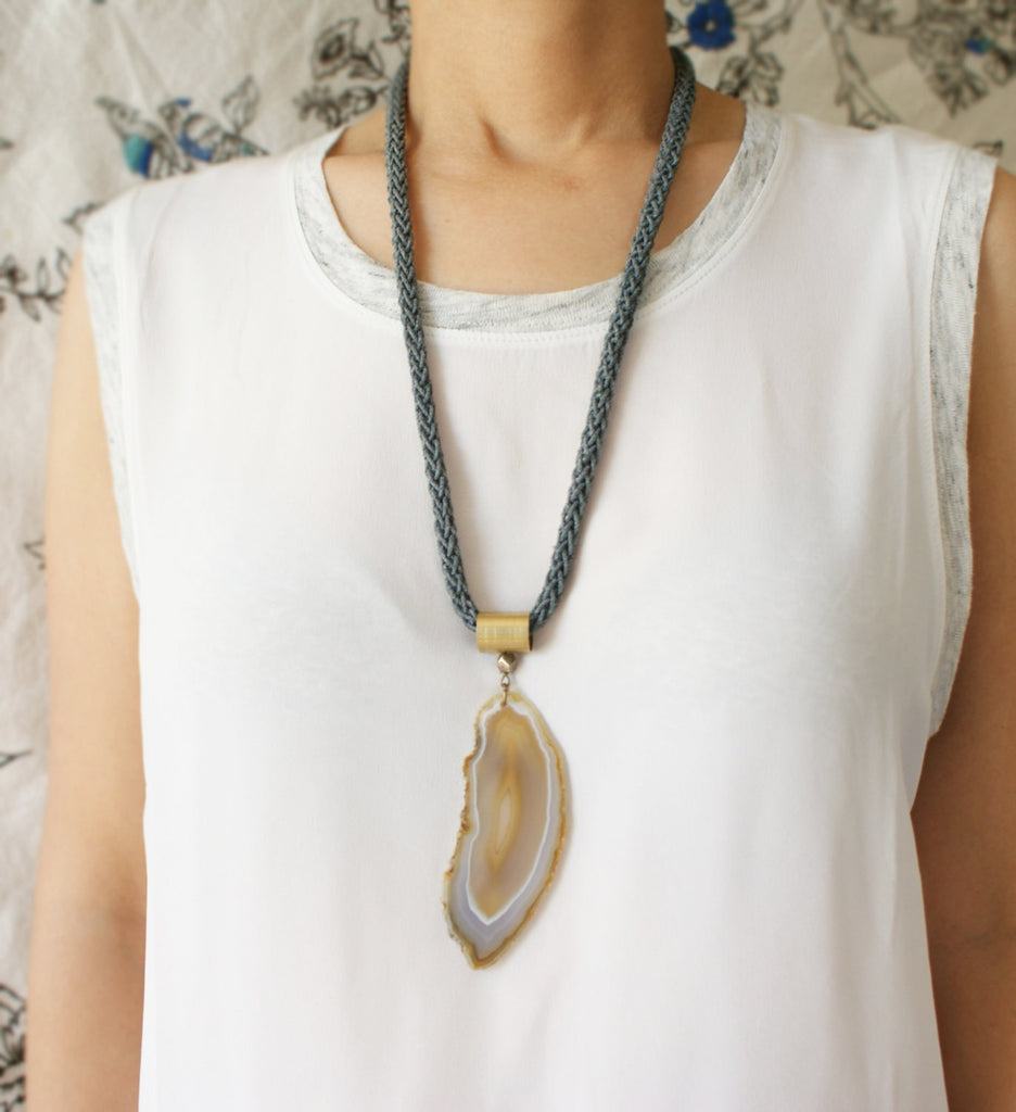 Agate Statement Necklace ---