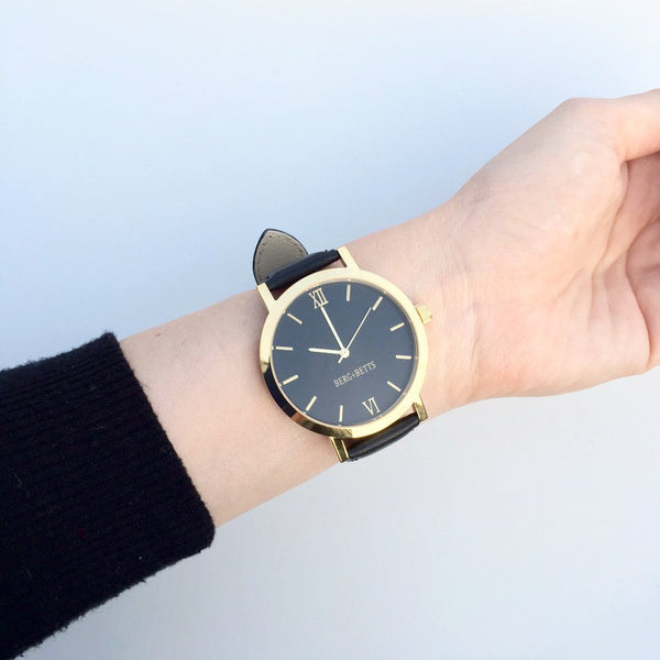 The Round Watch - Gold and Black