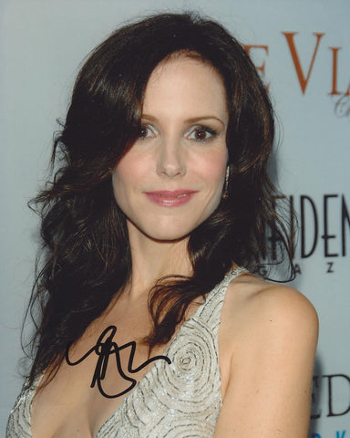 MARY LOUISE PARKER - Weeds - (2)