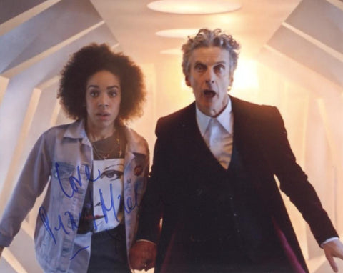 PEARL MACKIE - Bill - Doctor Who (Full Signature) - (4)