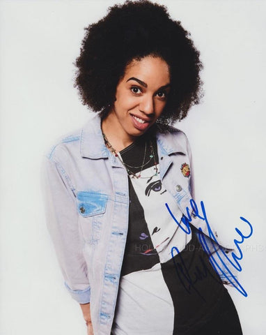 PEARL MACKIE - Bill - Doctor Who (Full Signature) - (6)