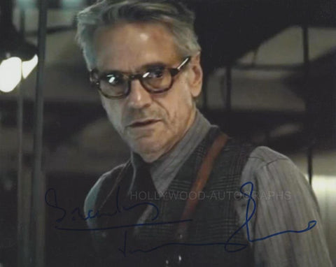 JEREMY IRONS - Batman Vs. Superman - (4)