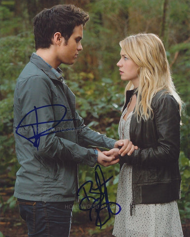 BRITT ROBERTSON & THOMAS DEKKER - The Secret Circle - Dual Signed