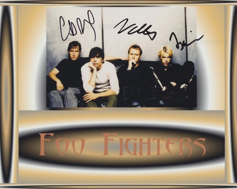 FOO FIGHTERS - Multi-Signed
