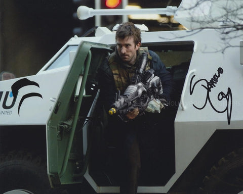 SHARLTO COPLEY - District 9 - (2)