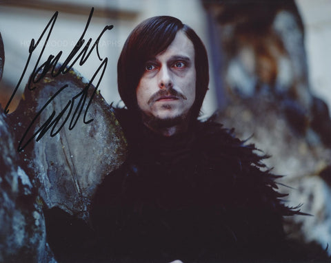 MACKENZIE CROOK - Merlin
