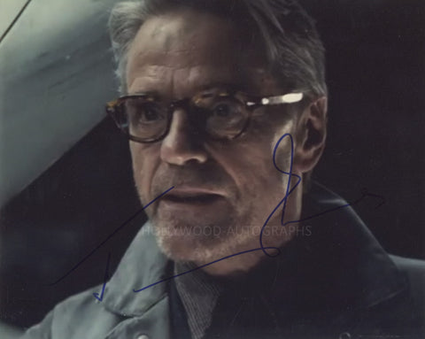 JEREMY IRONS - Batman Vs. Superman - (5)