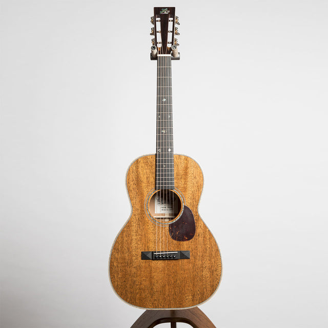 Froggy Bottom C Deluxe Acoustic Guitar - All Mahogany