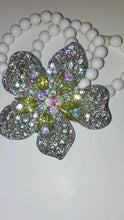 Load image into Gallery viewer, Womens Flower Rhinestone Stretch Bracelet with White Beads
