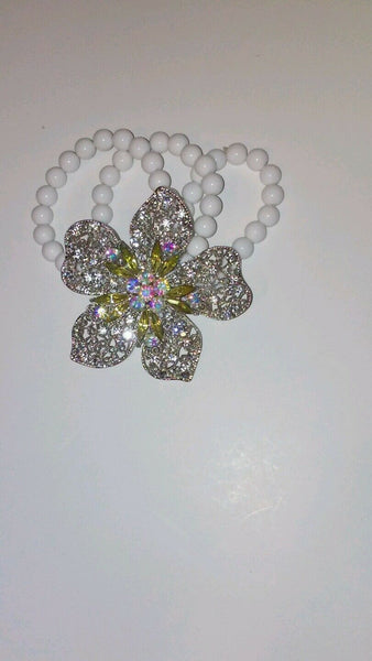Womens Flower Rhinestone Stretch Bracelet with White Beads
