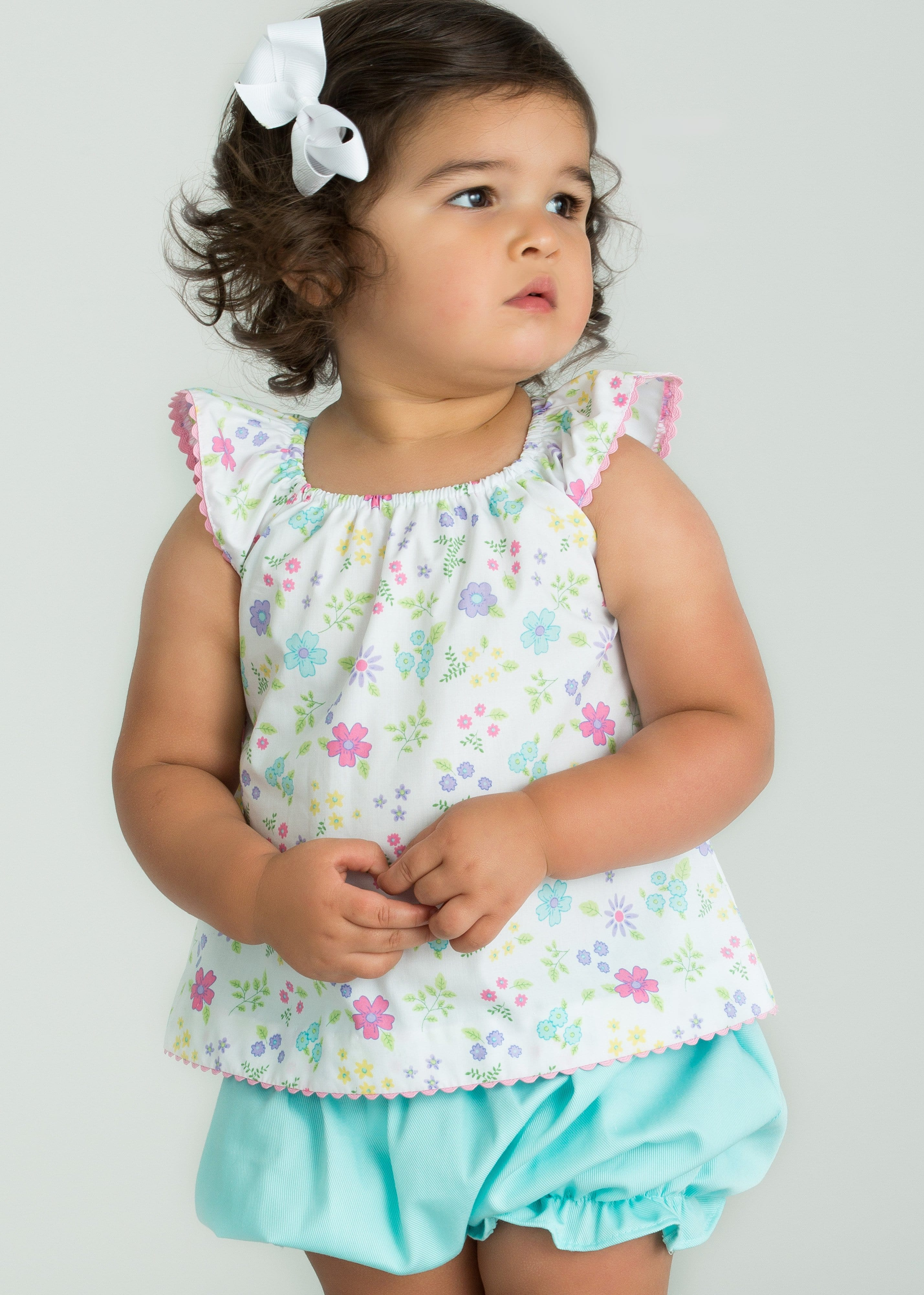Little English girl's floral bloomer set