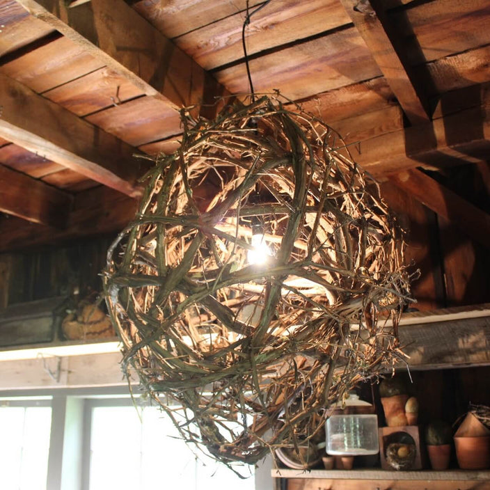 "Pointed Grapevine Globe 30"" x 37"""
