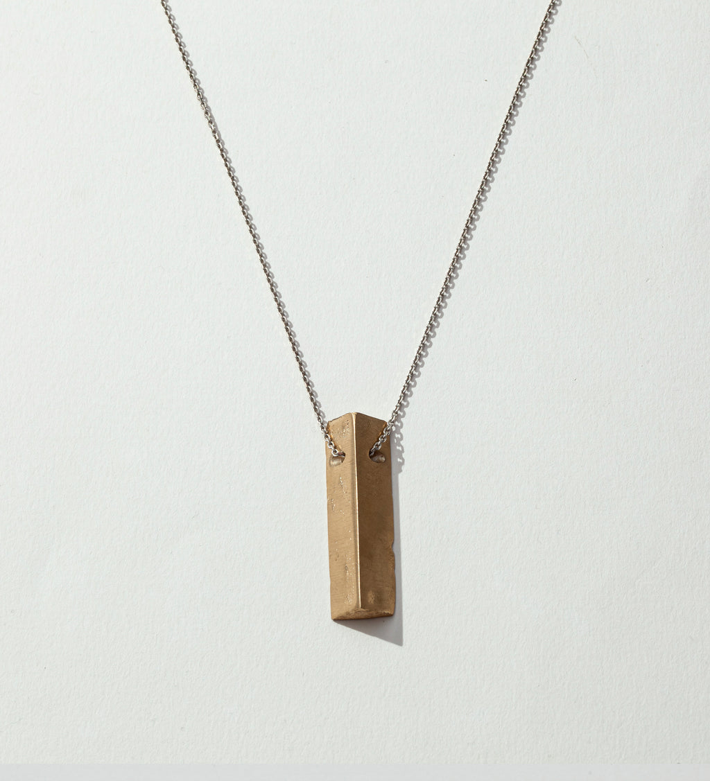 Volver/ Triangle Necklace