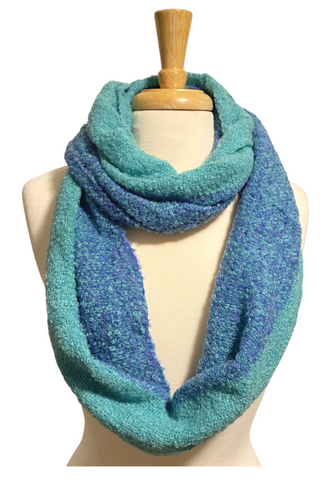 Sandy infinity scarf in alpaca, blue and turquoise